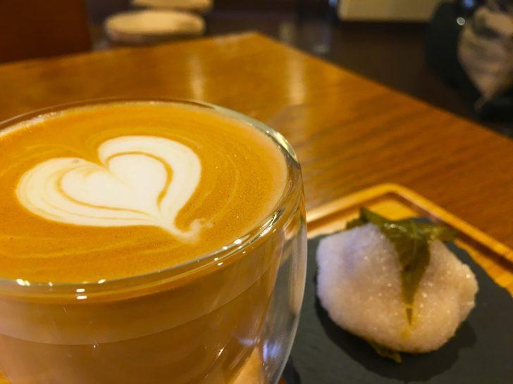 CLAXON Coffee Roasters 札幌カフェ 福住